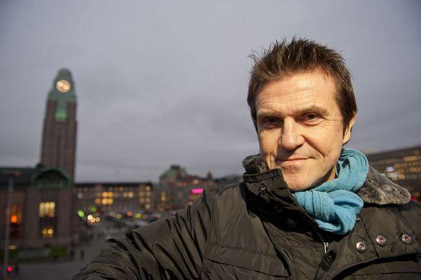 Sedu Koskinen erottuu kilpailijajoukosta edukseen. Vahva vastustaja on kuitenkin Juhana Helmenkalastaja.