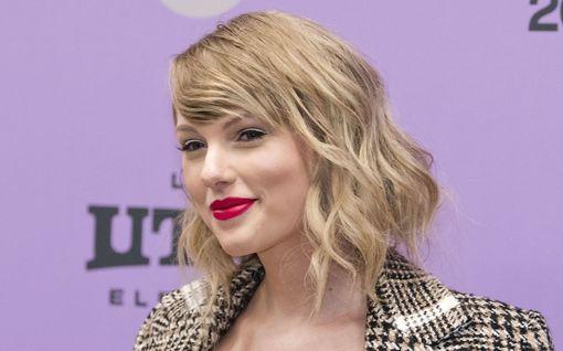 Taylor Swift yllätti brittinuoren – lahjoitti 26 000 opintomaksuihin