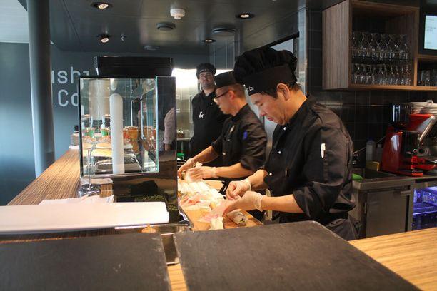 Siljalla on satsattu uudistuksen myötä sushin valmistuksen saloihin.