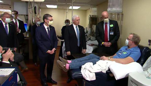 Mike Pence ilmoitti, että hänen ei tarvitse käyttää suojamaskia.