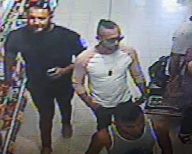 22-, 25- ja 26-vuotiaat miehet pidätettiin teosta epäiltynä Lontoossa. Heidät oli ehkä palkattu tekemään happoisku.