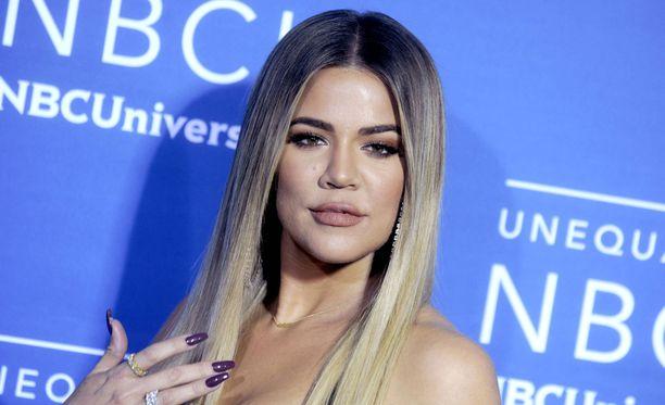 Khloé Kardashian julkisti raskautensa vasta nyt, vaikka sen oletetaan olevan jo pitkällä.