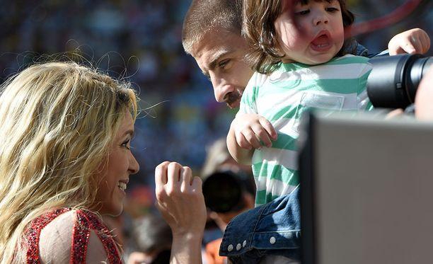 Gerard Piqué, Shakira ja lapset asuvat Barcelonassa.