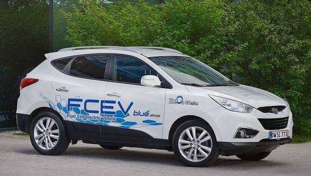 Hyundai ix35 polttokennoauto avaa polttokennoautoilun markkinat Suomessa.