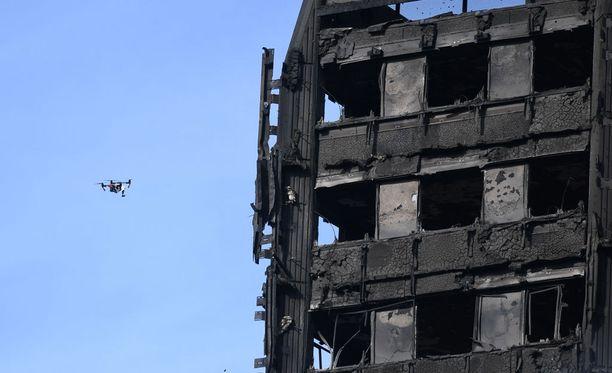 Grenfell Tower tuhoutui palossa.
