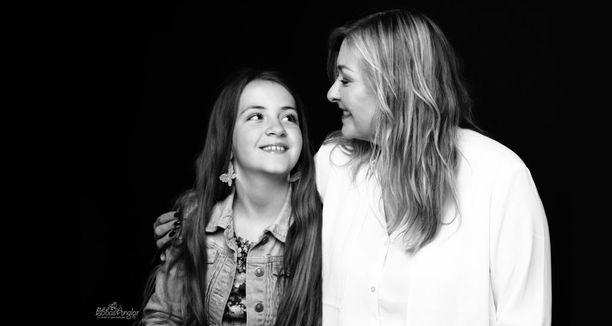 """""""En koskaan kuule enää, että kukaan kutsuu minua äidiksi"""", Jeanette Åkerlund suree."""