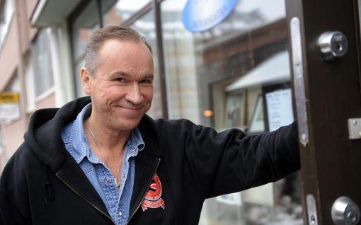 Ilkka Vainio tänään syöpäleikkaukseen – sai sairaudestaan odotettuja hyviä uutisia
