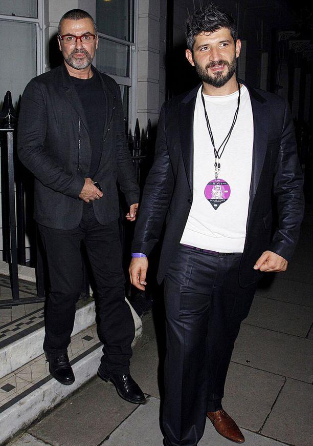 George Michael ja miesystävä, kampaaja Fadi Fawaz ovat seurustelleet vuodesta 2011 lähtien.