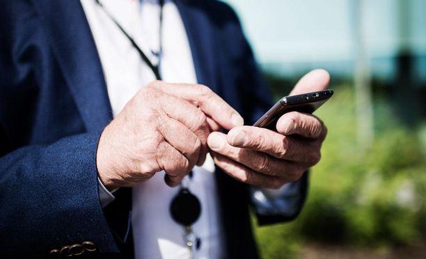 Teleoperaattori Soneran 2G-verkossa ollut hätäpuheluita haitannut vika on korjaantunut, ilmoittaa yhtiö verkkosivuillaan.