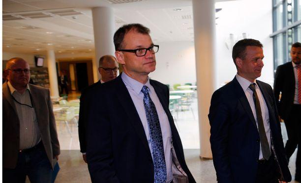 Iltalehden kommentointipalstalla ihmiset pohtivat, tunteeko hallitus työttömiä.