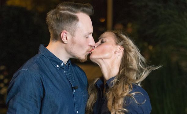 Antti ja Mira kertovat sarjassa, ettei kukaan ole kommentoinut ikävään sävyyn heidän ikäeroaan - ainakaan päin naamaa.