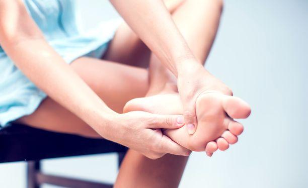 Jalkaterän lihakset jäävät usein kokonaan huomiotta, sanoo jalkaterapeutti Pia Kallio.
