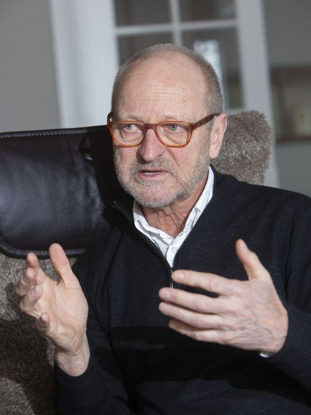 Tommy Hellsten on kirjoittanut jo 27 kirjaa.