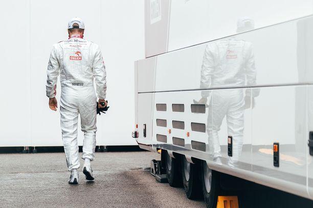 Kimi Räikkösen ounastellaan päättävän F1-uransa tähän kauteen.