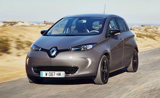 Renault Zoe täyssähköauton hinnat alkavat noin 32 000 eurosta. Autolla pystyy ajamaan jopa kylmissä oloissa yli 200 kilometriä yhdellä latauksella.