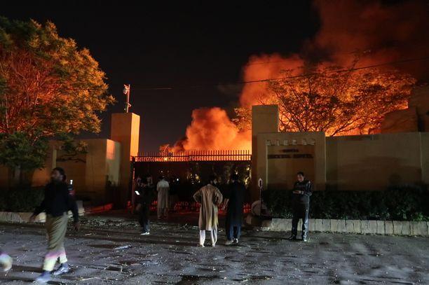 Räjähdys tapahtui hotelli Serenan parkkipaikalla Quettan kaupungissa Pakistanissa.