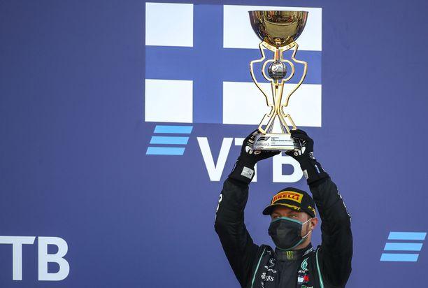 Valtteri Bottas taistelee ensikin kaudella osakilpailuvoitoista.