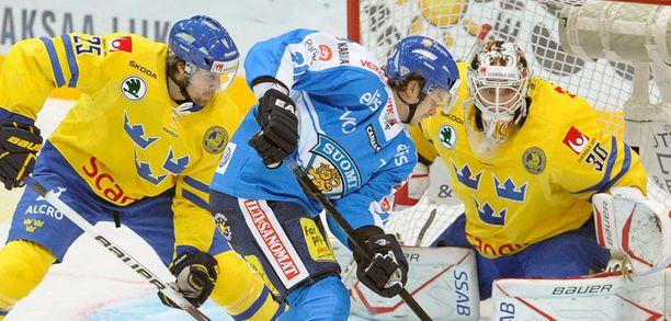 Suomi kaatoi Ruotsin maalein 4-1.