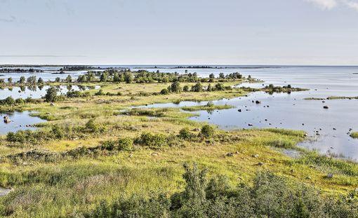 Saaristo muuttaa edelleen jatkuvasti muotoaan, uusia saaria nousee ja merenlahdet muuttuvat järviksi.