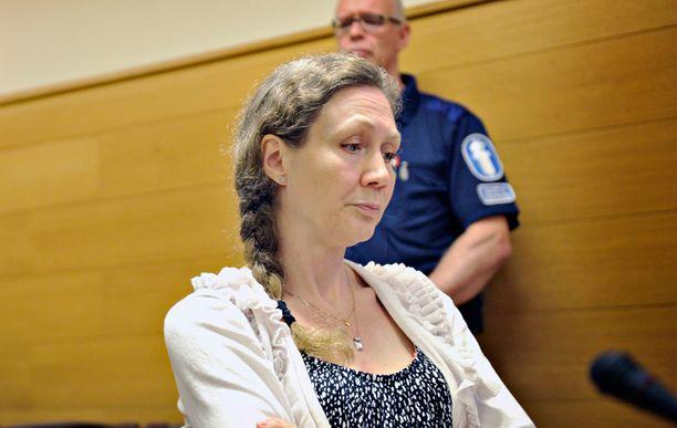 Anneli Aueria syytetään hovioikeudessa miehensä murhasta.