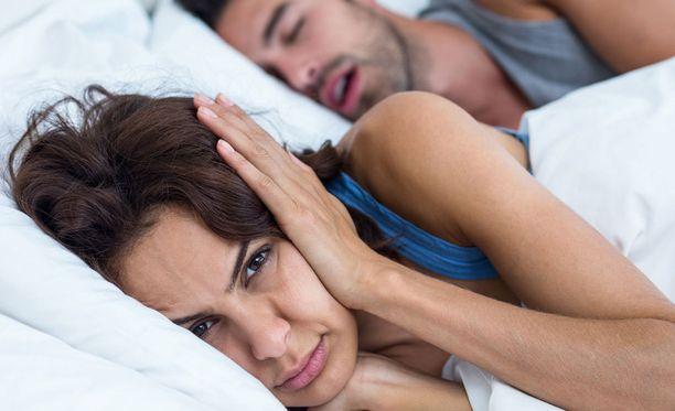 Kuorsaaminen voi olla merkki uniapneasta, joka voi ajan mittaan aiheuttaa terveysongelmia.