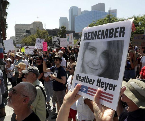 Heather Heyer kuoli Fieldsin auton alle.