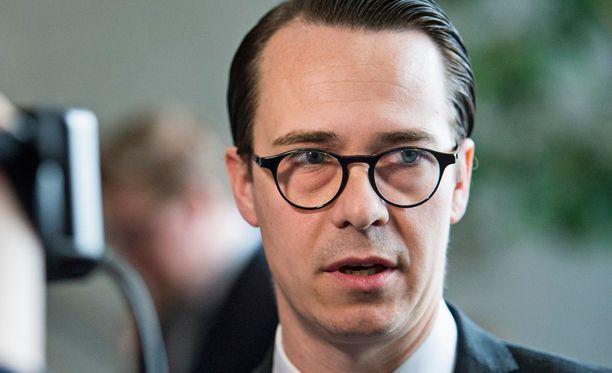 RKP:n puheenjohtaja Carl Haglund.