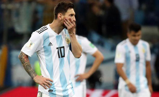 Messi turhautui saamattomuuteensa Kroatiaa vastaan.