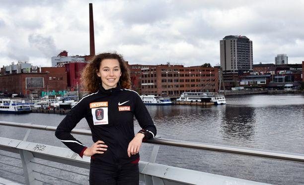 Ella Junnila nauttii Tampereesta.