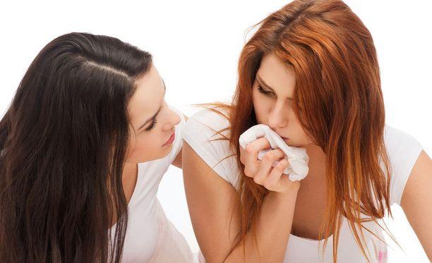 Sopivat sanat voivat olla hukassa, kun toisella on murheita.