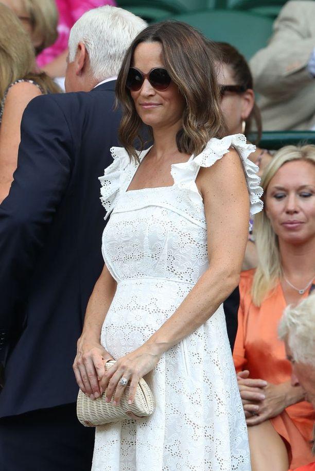 Pippa Middletonin vauvamaha näkyy jo selvästi.
