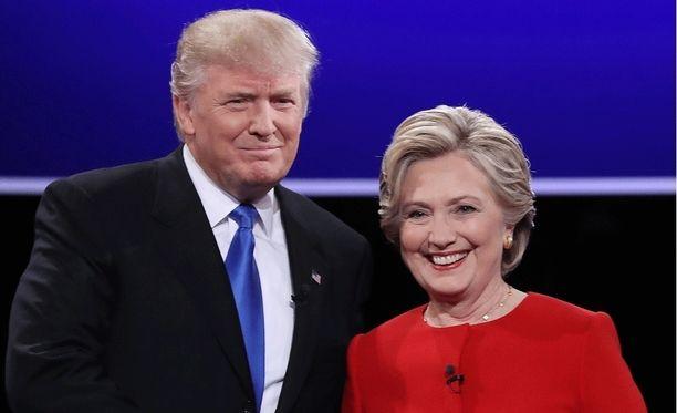 Trump ja Clinton pitävät jännityksen loppuun asti.