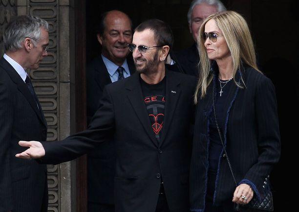 Julissa oli vieraana toinen hengissä oleva ex-beatle Ringo Starr puolisonsa Barbara Bachin kanssa.