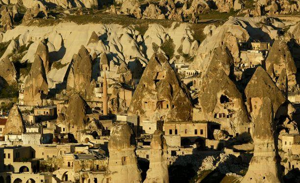 Näkymä historialliselta Kappadokian alueelta, josta 5000 vuotta vanha jättimäinen maanalainen kaupunki löytyi.