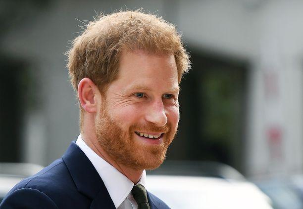 Prinssi Harryn muistelmista povataan skandaalinkäryistä luettavaa.