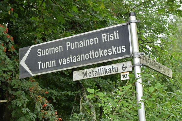 Tämän lähemmäs Pansion vastaanottokeskusta ei Iltalehden kuvaajaa ja toimittajaa lauantaina päästetty.