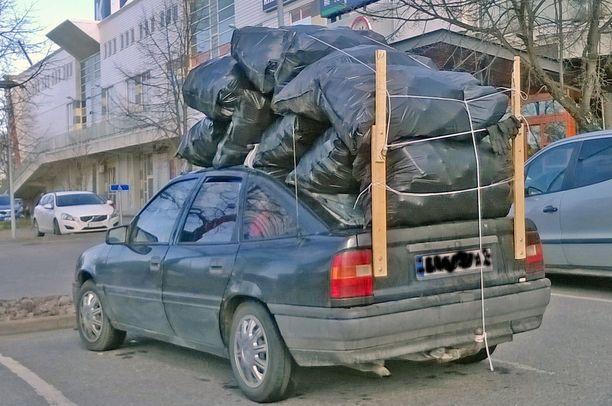 Tämä kuva ei ole peräkärrykuva, mutta muuten varsin lahjakas paketti EU-maan autossa.