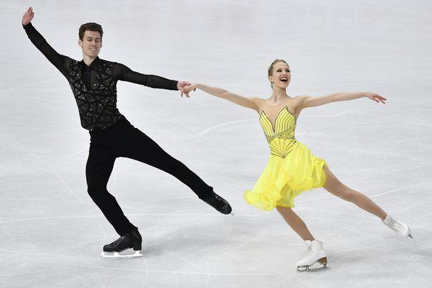 Juulia Turkkila ja Matthias Versluis nappasivat Suomelle maapaikan olympialaisiin. Kuva maaliskuulta.