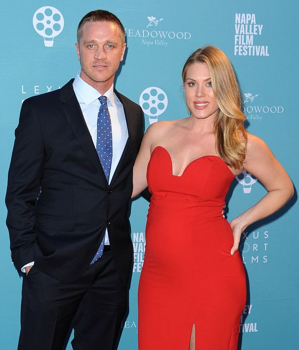 Devon Sawa ja Dawni-vaimo marraskuussa Kaliforniassa elokuvajuhlilla.