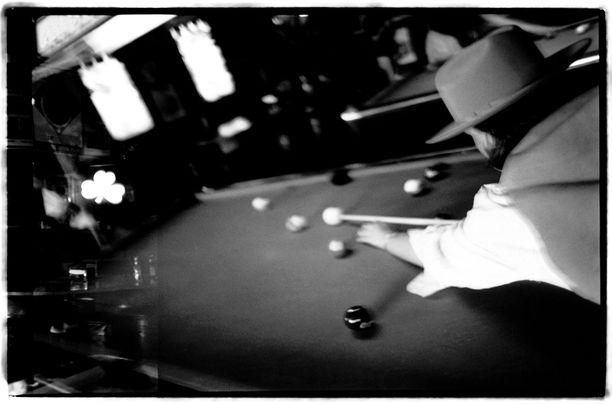 Helsinkiläisessä salakapassa pelattiin biljardia ja nautittiin. Kuvituskuva ei liity tapaukseen.