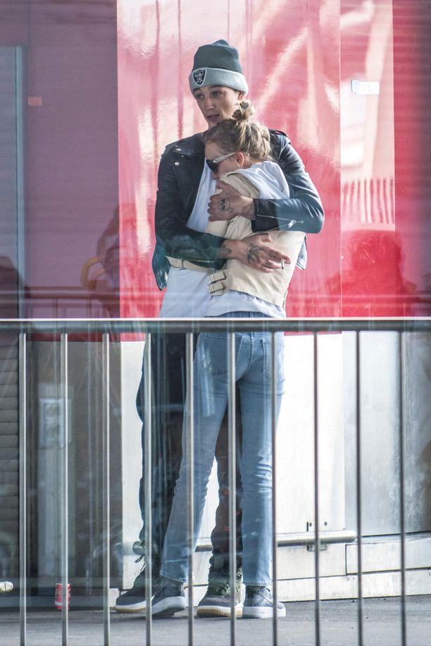Ash Stymest ja Lily-Rose viihtyvät Pariisissa.