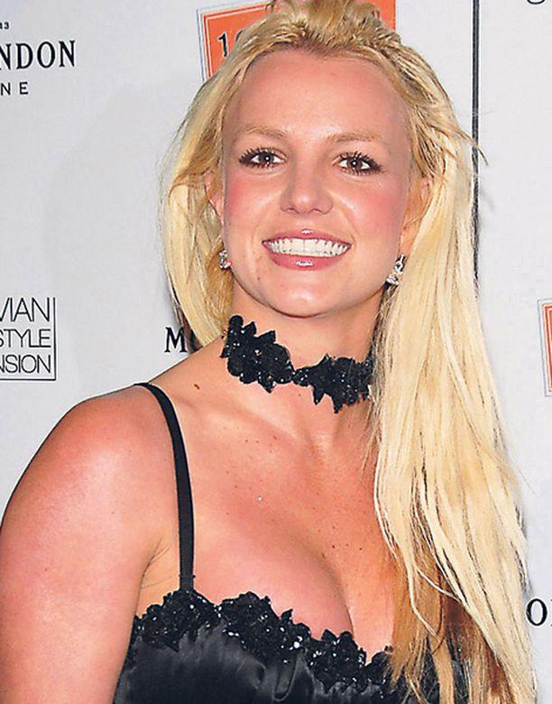 Uusin käänne neiti Spearsin elämässä on se, että hänet halutaan mielisairaalaan.