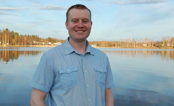 """Teemu Torssonen kehuu Timo Soini """"mahtavasta työstä"""", mutta pohtii, riittääkö Soinilla aikaa ja energiaa puolueen johtamiseen ministeritöiden lisäksi."""