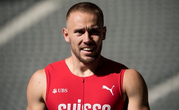 Silvan Wicki juoksi 100 metrillä Tokiossa lauantaina.