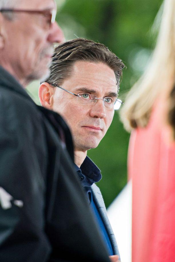 Helsingin yliopiston professorin Kaarlo Tuorin mukaan Jyrki Kataisen hallitus salaili perustuslaillisia ongelmia.