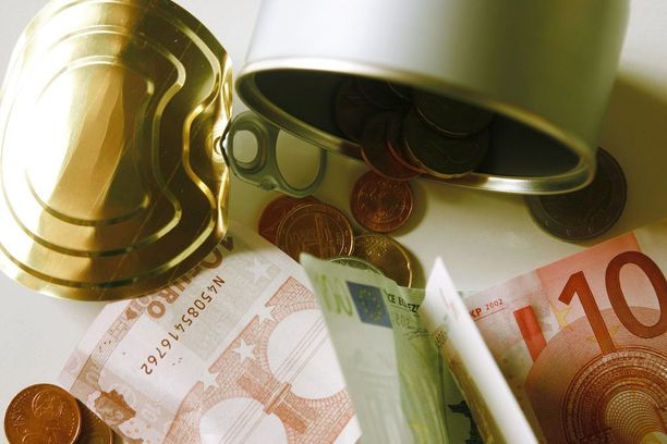 Pienten palkkojen verotus on Suomessa eurooppalaista keskitasoa, mutta tulojen noustessa verotus muuttuu kireämmäksi.