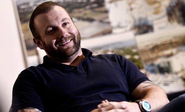 Miljoonaperijä Jussi Salonoja rakentaa espoolaista urheilua.