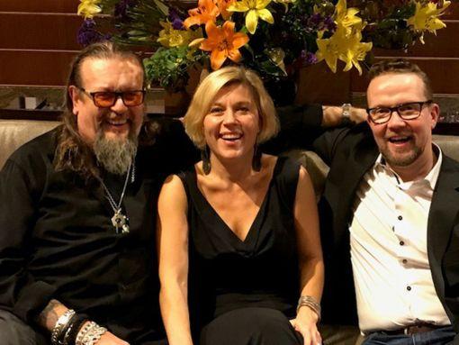 Tuottaja Markus Selin, ohjaaja Marja Pyykkö ja näyttelijä Petteri Summanen olivat New Yorkissa juhlatunnelmissa.