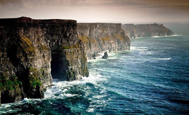 Moherin rantakalliot Irlannissa ovat korkeimmillaan jopa yli 200-metrisiä.