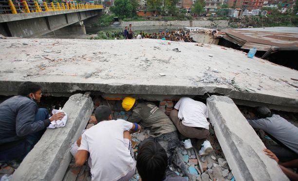 Nepalin pääkaupunki Kathmandu koki mittavia vaurioita lauantain järistyksessä. Jälkijäristykset saattavat ravistella aluetta vielä viikkojen ajan.